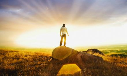 ¿Qué es la autosuficiencia espiritual? y ¿Cómo debería ser? Aquí está lo que el Élder Richards le dijo a los alumnos en LDSBC