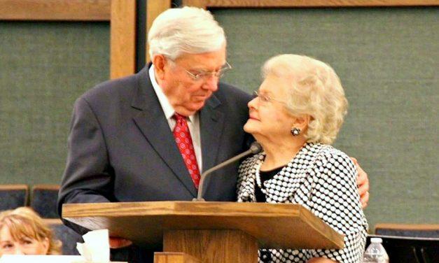 """Presidente Ballard: """"Ustedes, hermanas, fueron divinamente investidas"""""""