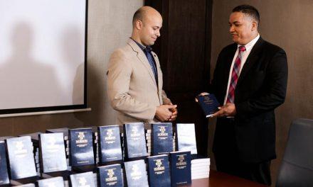 Hotel Sheraton tendrá ejemplares del Libro de Mormón en sus habitaciones