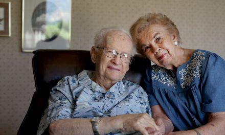 """Esta pareja de 93 años ha servido en 23 misiones para la Iglesia. Así es como crearon un """"legado de amor"""""""