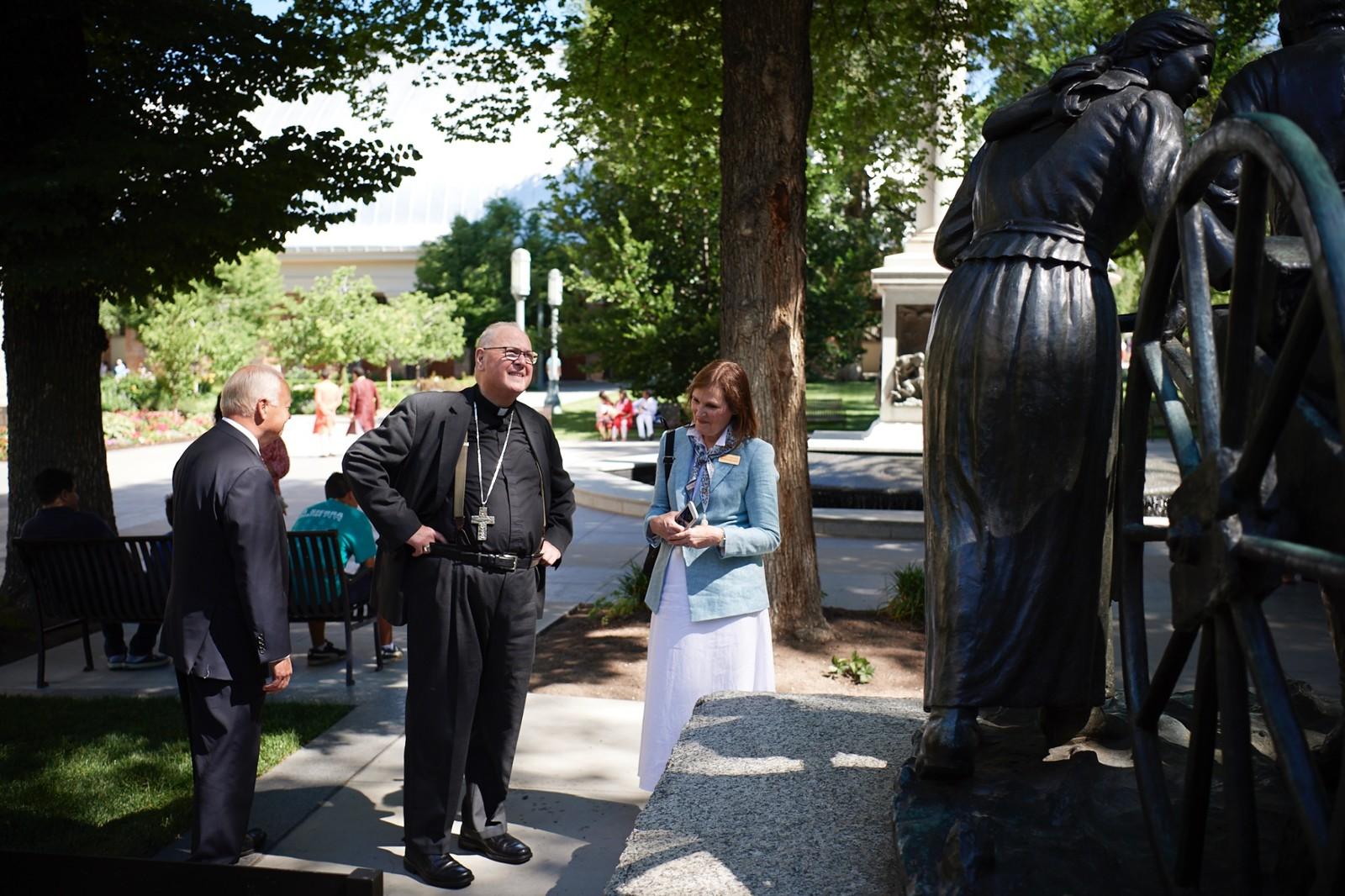 lider católico en la manzana del Templo