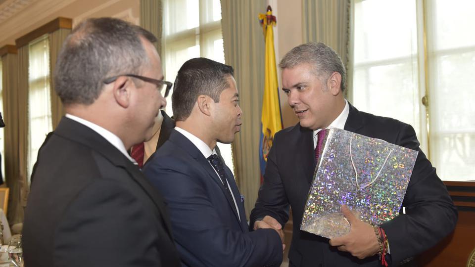 Líderes de la Iglesia de Jesucristo se reúnen con el presidente de Colombia