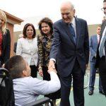 presidente Nelson con los niños en Argentina