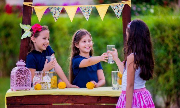 """Kristine Frederickson: Por qué debemos enseñar a nuestros hijos a """"trabajar duro y a ser amables"""""""