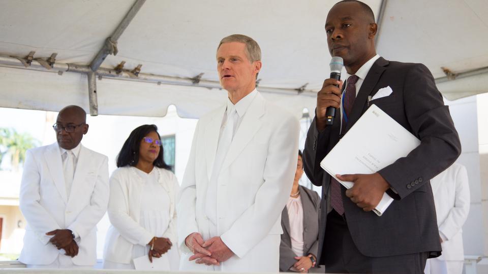 Templo de Haití - dedicación