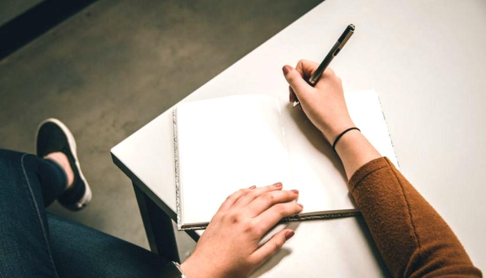 Cómo el escribir en un diario nos ayuda a mejorar nuestra salud física y mental