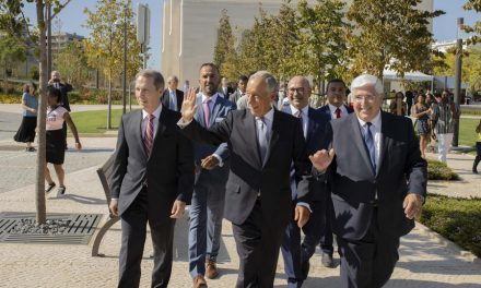 El presidente de Portugal, Marcelo Rebelo de Sousa, visita el templo de Lisboa