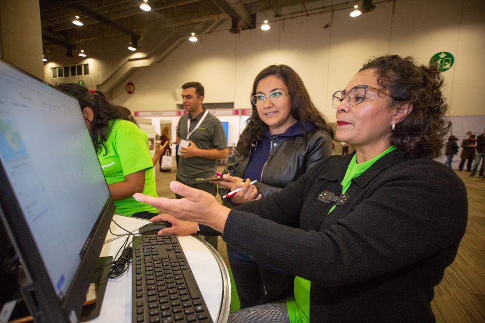 La Exponología rompió las barreras del tiempo digitalmente y logró unir a cientos de mexicanos con sus antepasados desde el World Trade Center