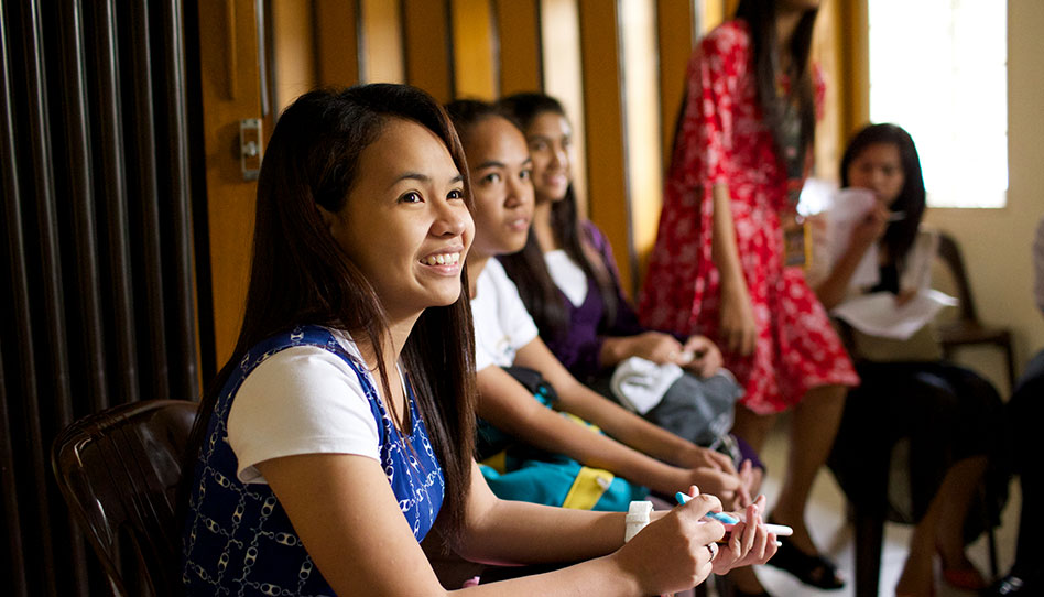 Se modifica el lema de las Mujeres Jóvenes