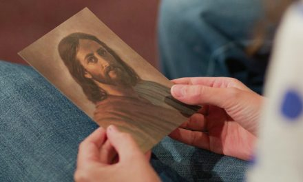 ¿Es Jehová la misma persona que Cristo? ¿De dónde viene el nombre?