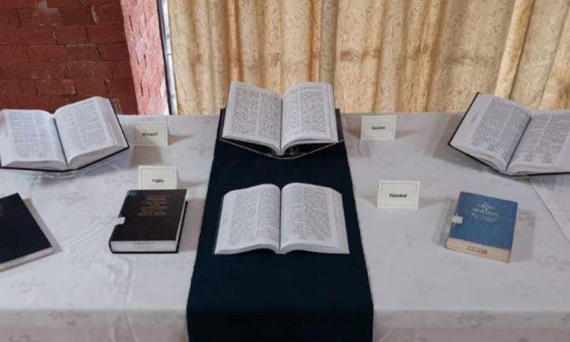 El Libro de Mormón es presentado en el Museo del Texto Sagrado