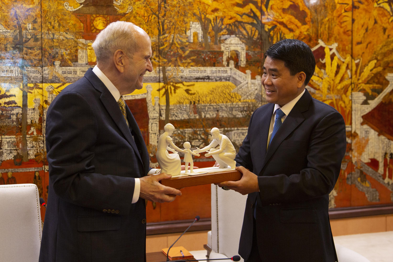 Presidente Nelson en Vietnam