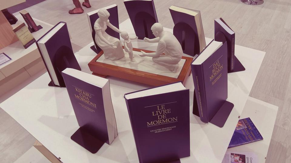 El Libro de Mormón en feria del libro