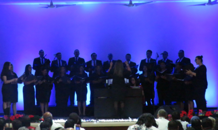 Miembros de la Iglesia de Jesucristo cantan a favor de los necesitados en Honduras