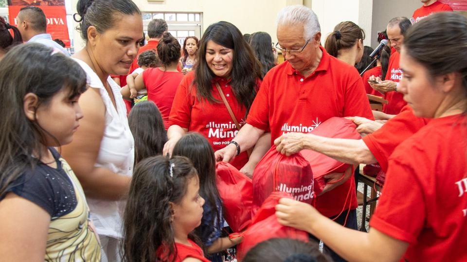 ayuda a niños venezolanos