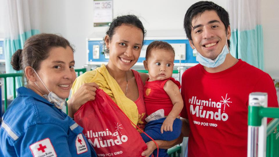 Iglesia de Jesucristo regala 1000 kits a niños venezolanos en necesidad