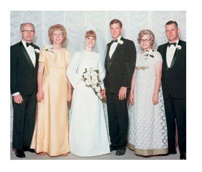 vélder Christofferson en su matrimonio
