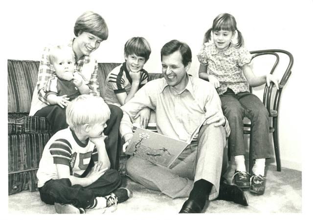 élder Christofferson y su familia