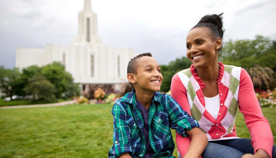 5 consejos para ayudar a que tus hijos tengan una primera visita al templo especial
