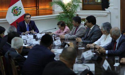 Representante de la Iglesia de Jesucristo se reúne con el presidente de Perú