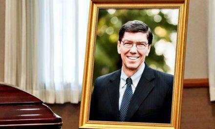 Sentido homenaje a Clayton Christensen, Setenta Autoridad General que falleció a los 67 años