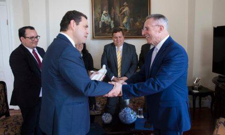 Élder Soares se reúne con líderes gubernamentales y religiosos en Costa Rica