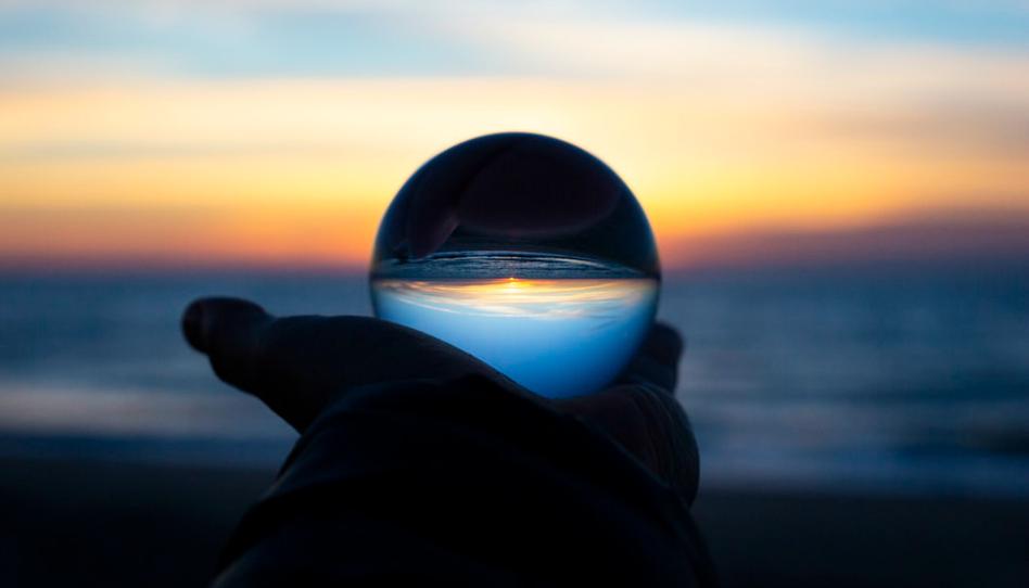 Si Dios conoce el futuro, ¿cómo es que tenemos albedrío?