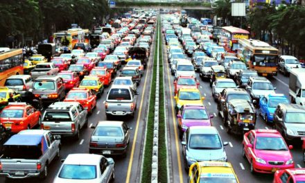 ¿Qué hacer en el tráfico? Aprovecha tu tiempo haciendo estas 3 cosas
