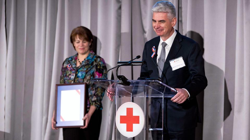 La Cruz Roja entrega importante reconocimiento a la Iglesia de Jesucristo