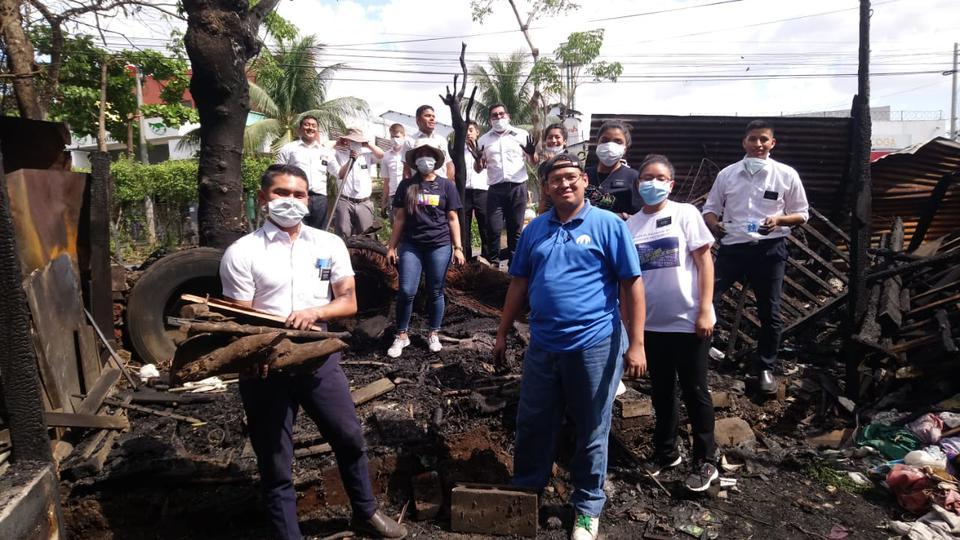 Misioneros en El Salvador - incendio