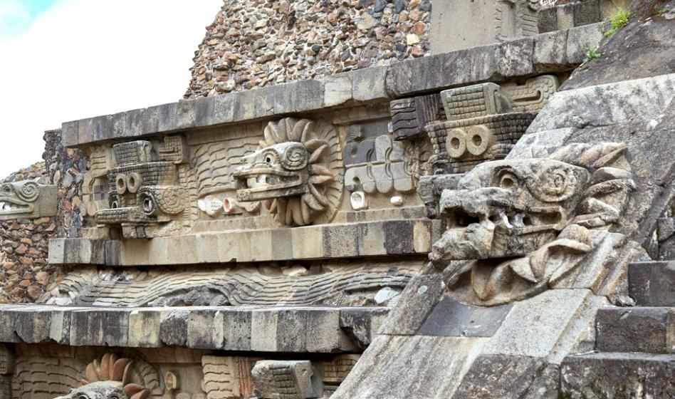 Quetzalcóatl: Separando los mitos de los hombre de los de Dios