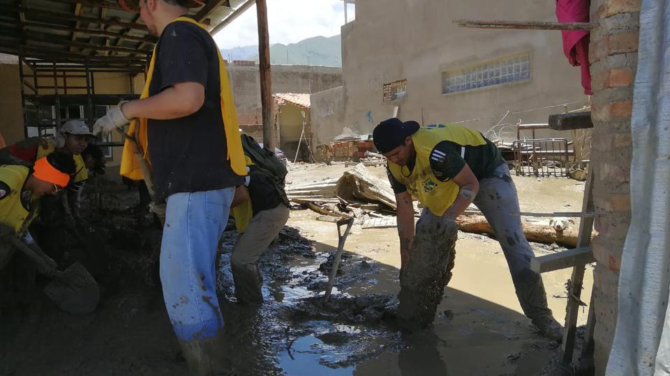 damnficados en Bolivia - ayuda de la Iglesia Jesucristo