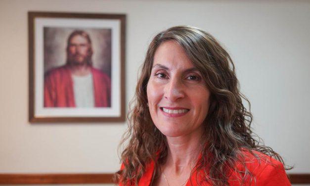 Se llama a la primera directora mujer del Sistema Educativo en Sudamérica