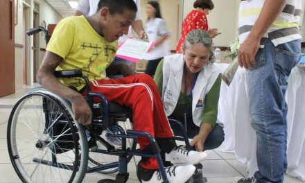 La Iglesia de Jesucristo dona 1000 sillas de ruedas en Colombia
