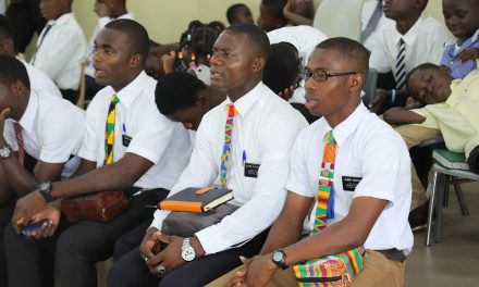 La Iglesia de Jesucristo envía a la mayoría de los misioneros de África a sus hogares para su aislamiento y reasignación