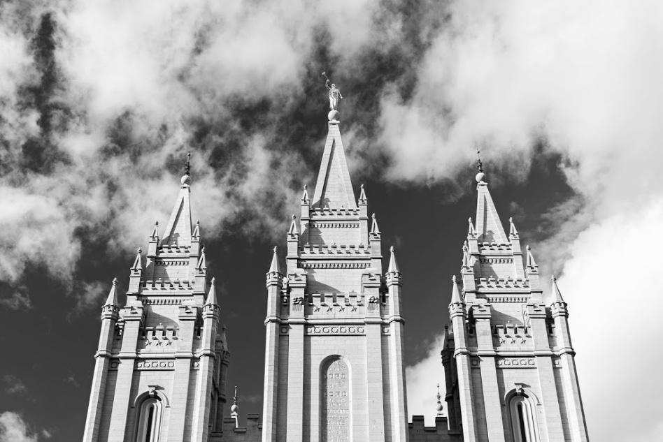 Ajustes temporales hechos a la adoración en el templo alrededor del mundo