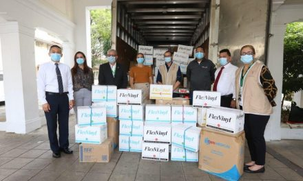 La Iglesia de Jesucristo dona equipos de protección para los médicos en Panamá