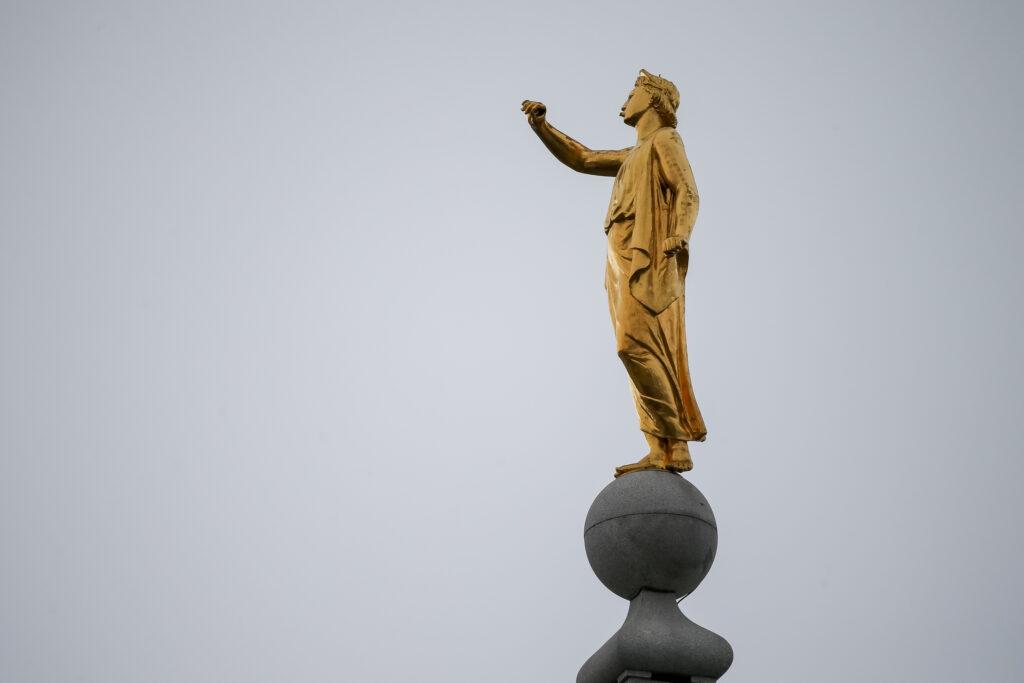 estatua del ángel moroni del Templo de Salt Lake