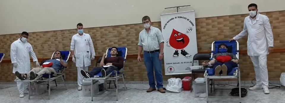miembros de la Iglesia de Jesucristo donan su sangre en Paraguay