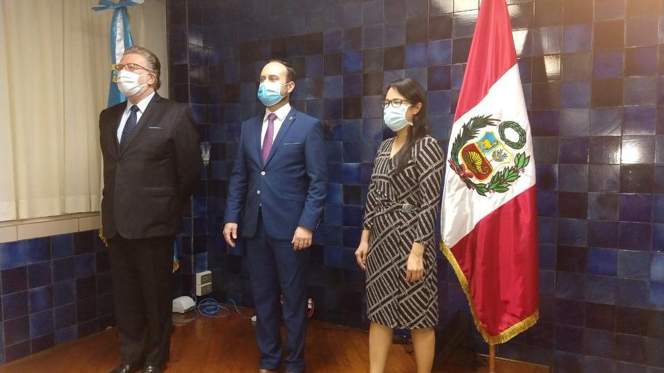 misoneros peruanos y guatemaltecos