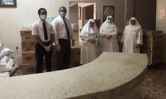 La Iglesia de Jesucristo entrega donación a un Hogar de ancianos en República Dominicana