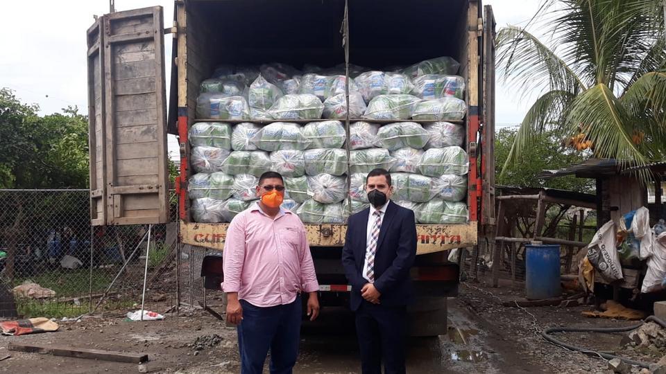 La Iglesia de Jesucristo dona alimentos para los más necesitados en Ecuador
