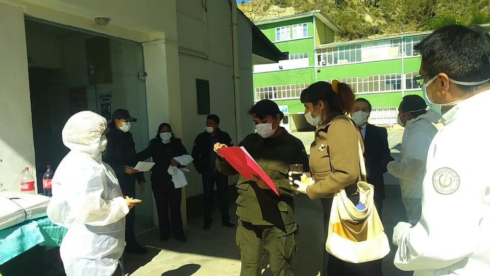 donación Iglesia de Jesucristo - Policia en Bolivia