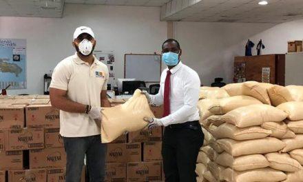 La Iglesia de Jesucristo dona alimentos a personas con discapacidad en República Dominicana