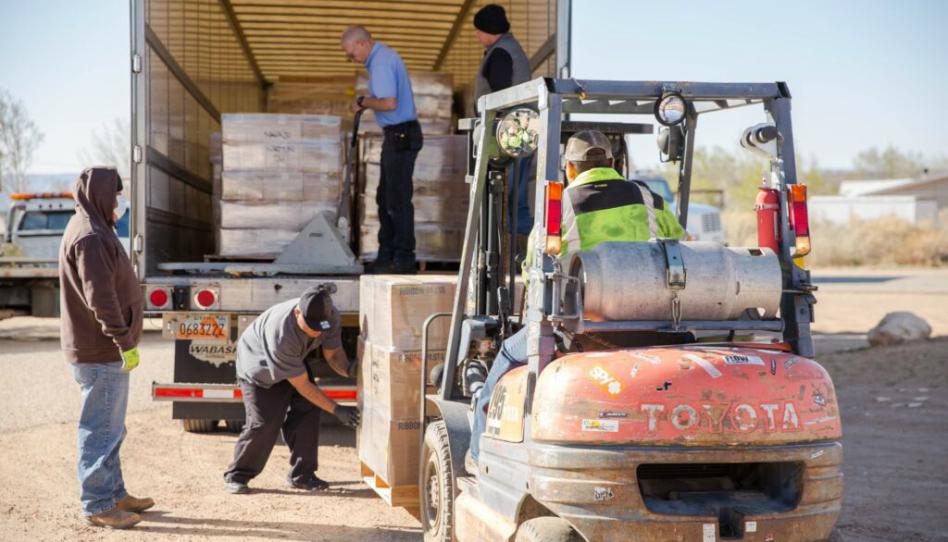 La Iglesia de Jesucristo dona ovejas a la Reserva de Navajo en medio de crisis por covid-19