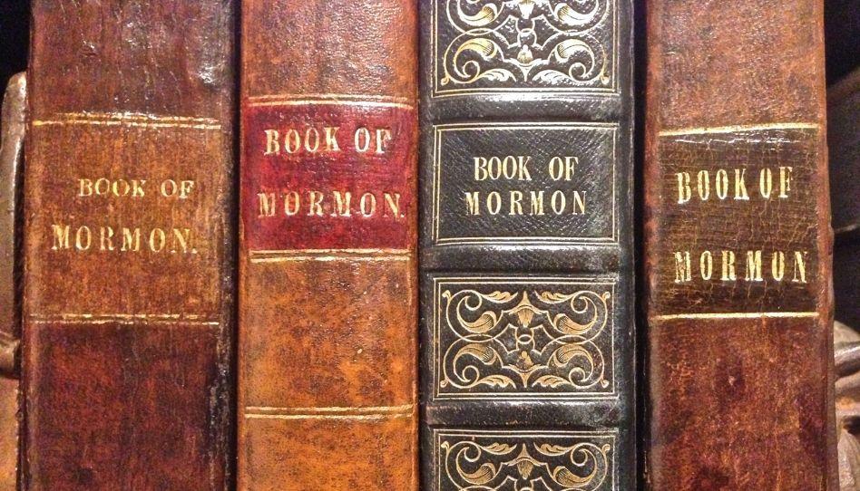 149 primeras ediciones del Libro de Mormón en diferentes idiomas son donadas a la Biblioteca de BYU