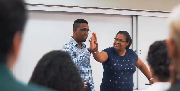 La Iglesia de Jesucristo auspicia simposio de educación para personas sordas en República Dominicana