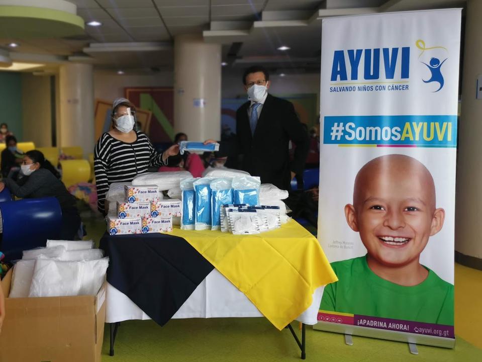 ayuda a niños con cáncer
