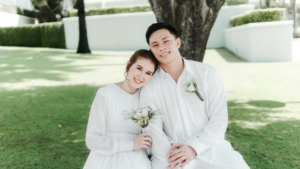 Cómo 2 parejas pospusieron su matrimonio hasta que se reaperturen los templos
