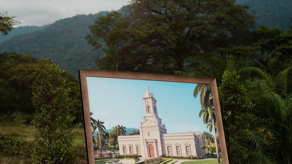 Palada Inicial Templo de San Pedro Sula